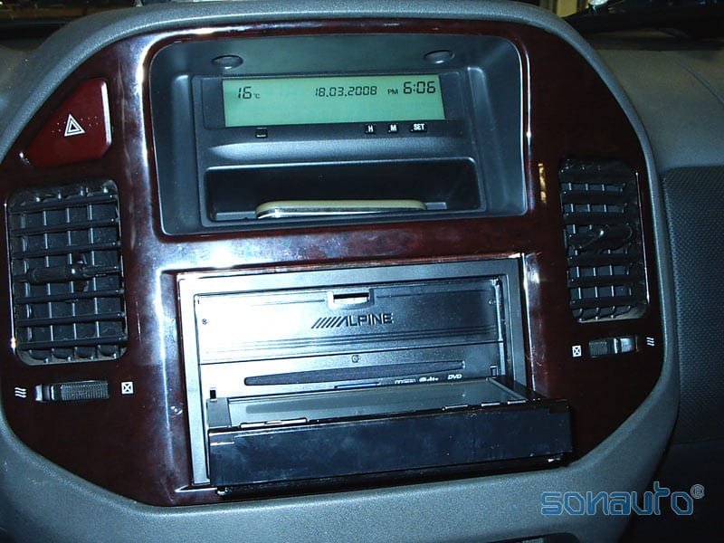 Mitsubishi Montero (Bluetooth Alpine)
