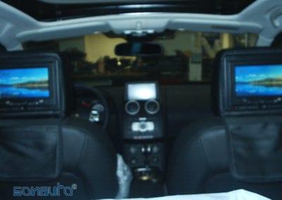 Nissan Qashqai (pantallas en reposacabezas
