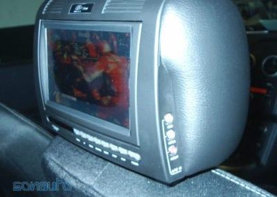 Nissan Qashqai (reposacabezas-pantalla DVD de EliteXtrem)