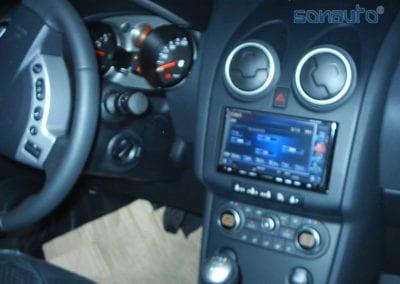 Nissan Qashqai (pantalla Kenwood, etc)