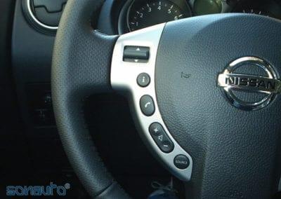 Nissan Qashqai (pantalla doble DIN Kenwood)