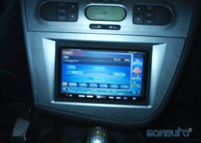 Seat Leon (pantalla navegador y DVD)