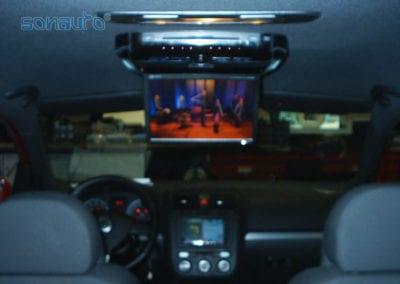 Volkswagen GOLF 5 (pantalla de techo y navegador)
